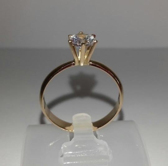 Anel Solitário De Diamante Ouro 18k