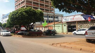 Casa Em Area Comercial Do Lado De Clinica, Laboratórios Etc.