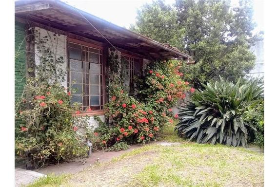 Venta Casa Chalet 4 Ambientes Villa Luzuriaga