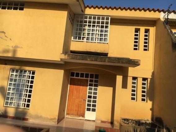 Casa En Venta Este De Barquisimeto #20-1054 As