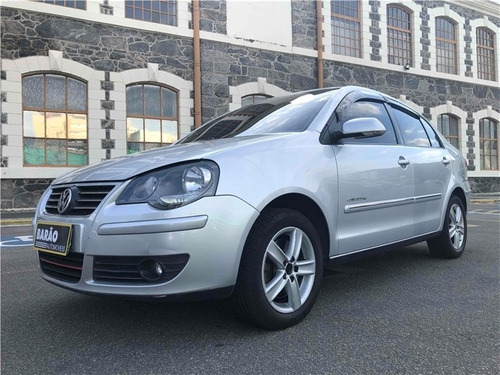 Volkswagen Polo Sedan 2.0 Mi Comfortline 8v Flex 4p Manual