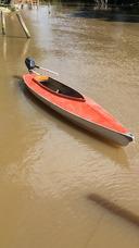 Canoa Con Motor Fuera De Borda