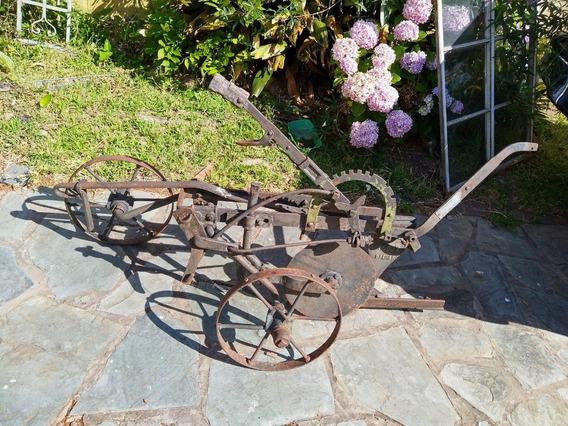 Antiguedad Arado Checoslovaco Y Rueda Carro,masa De Bronce
