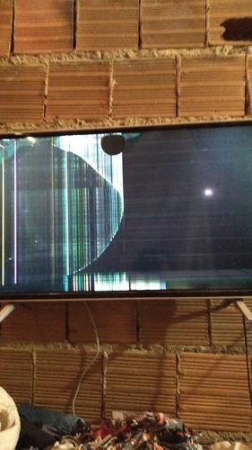 Imagem 1 de 1 de Vendo Smart Tv 32 Semp Toshiba Com Tela Queimada