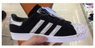 De confianza demanda ejemplo  Zapatillas Negras Con Brillitos Flores Adidas en Mercado Libre Argentina