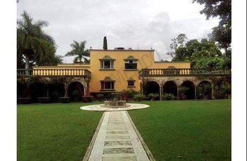 Casa En Venta, Cuernavaca, Morelos, Acapantzingo, Residencia, Cerca De La Autopista.