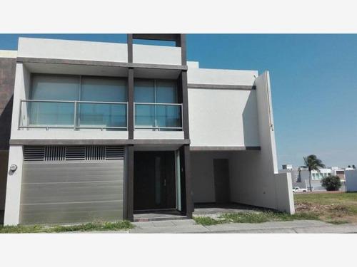 Imagen 1 de 6 de Casa Sola En Renta Las Lomas Residencial