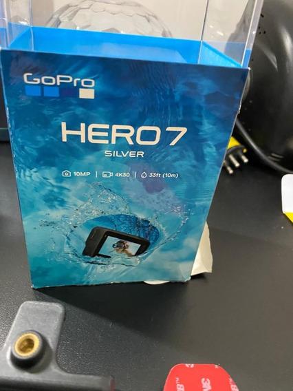 Câmera Gopro Hero 7 Silver 4k + Acessórios - Seminovo