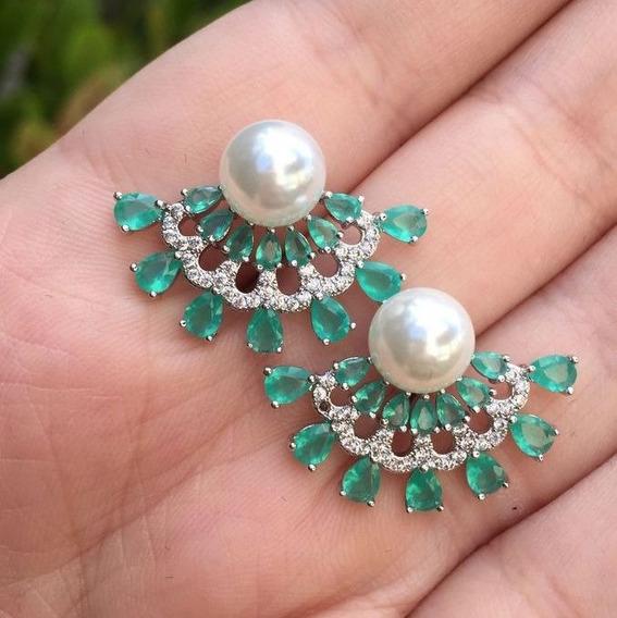 Brinco Emródio Pedra Cristal Verde Zircônias Brancas Pérola