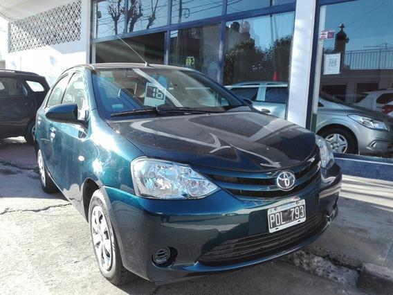 Toyota Etios 1.5 Sedan Xs 2016 Ilarioautos