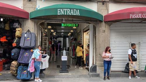 Imagen 1 de 8 de En Renta Locales Y Una Isla En Centro Comercial Moneda