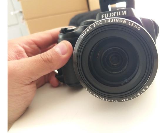 Camera Fujifilm - Modelo S8200 - Impecável