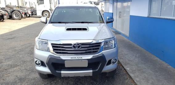 Toyota Hilux 2014/14 (140198km) Prata (2800)