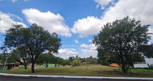 Imagem 1 de 15 de Terreno À Venda, 3000 M² Por R$ 750.000,00 - Condomínio Village Castelo - Itu/sp - Te0023