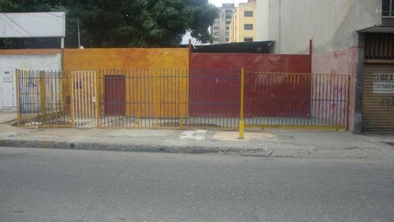 Galpon En Venta Centro Barquisimeto Lara 20-10404