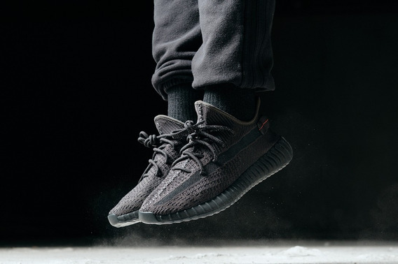 Tênis adidas Yeezy Boost 350 V2 Black Static Non Reflective