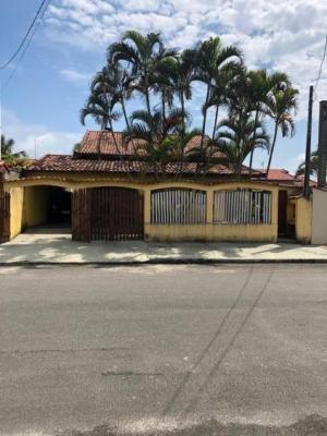 Casa Com 3 Quartos Em Itanhaém, No Lado Praia - 5442/pg