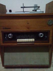 Móvel De Madeira Da Fiel/aço Com Rádio E Vitrola Da Phillips