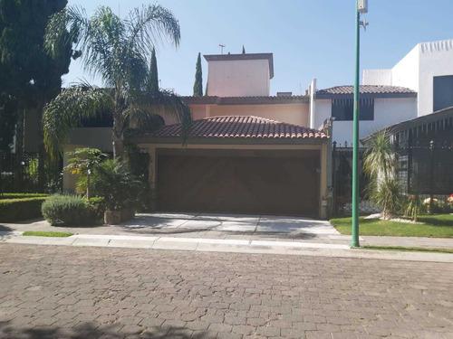 Imagen 1 de 12 de Hermosa Casa En Puerta De Hierro Puebla