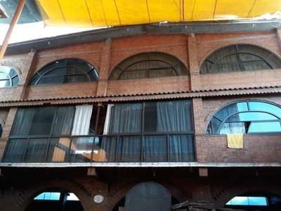 Departamento En Renta Muy Amplio Con Acabados De Madera, En Barrio San Miguel Iztapalapa.