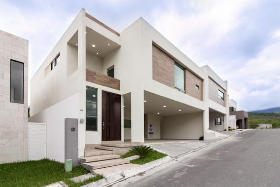 Casa En Venta En Monterrey En Carretera Nacional Carolco