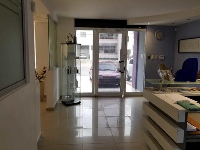 Local Comercial En Venta 2niveles En Piantini Ideal P/invers