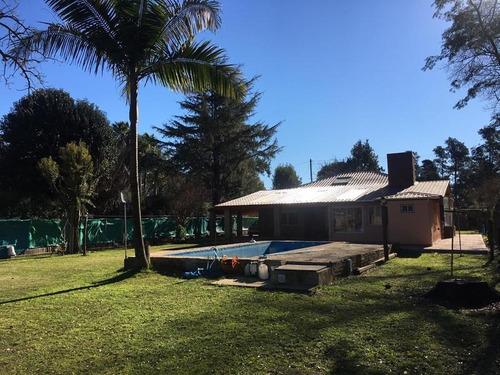 Casa En Venta Con Pileta Y Amplio Parque - San Miguel