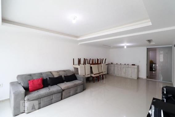 Casa Com 4 Dormitórios E 1 Garagem - Id: 892950025 - 250025