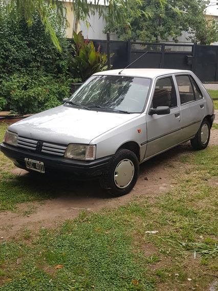 Peugeot 205 Gl 1360cc 1999