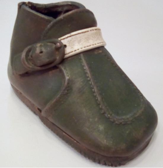 Antigo Sapato De Criança Metalizado Em Cobre