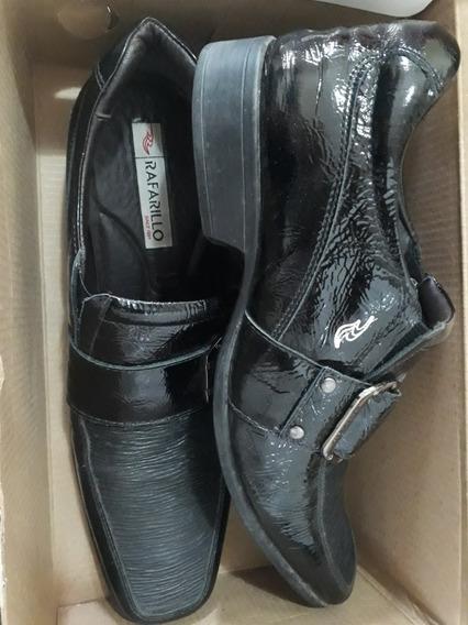Sapato Tamanho 40. Marca Rafarillo.