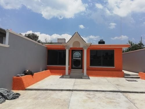 Casa Con Servicios, Calle Privada, Terminda Lista Habitar