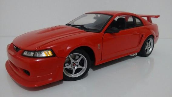 Ford Mustang Svt Cobra 1/18 Maisto