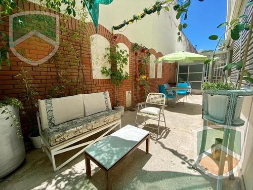 Impecable Depto 3 Dormitorios  Sobre Bv. Oroño - Patio - Oportunidad!!