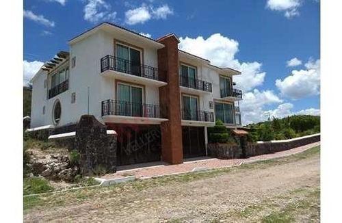 Venta Gran Residencia De Descanso En Fraccionamiento Yexthó, Hidalgo. A 25 Min De Tequisquiapan