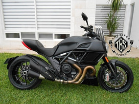 Ducati Diavel 1200 Dark 2015