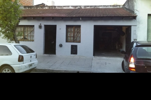Imagen 1 de 12 de Casa En Venta En Parque Avellaneda