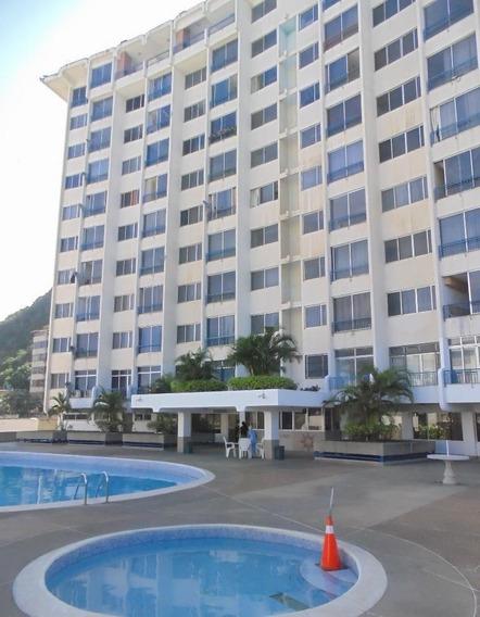 Apartamento En Venta Caraballeda Código 19-17954