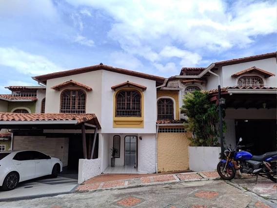 Casa En Alquiler. Barrio El Lobo. San Cristóbal