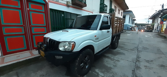 Mahindra Pick-up Estacas