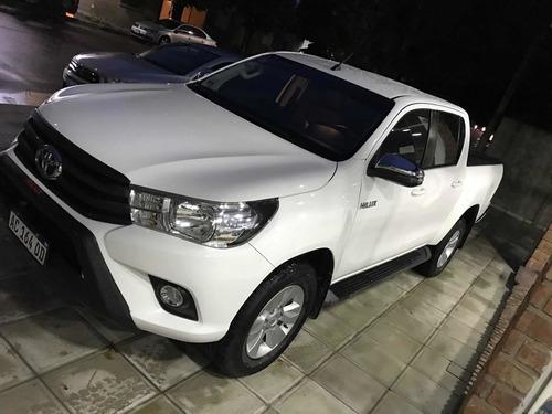 Imagen 1 de 12 de Toyota Hilux 2.8 Cd Srv 177cv 4x2 At 2018