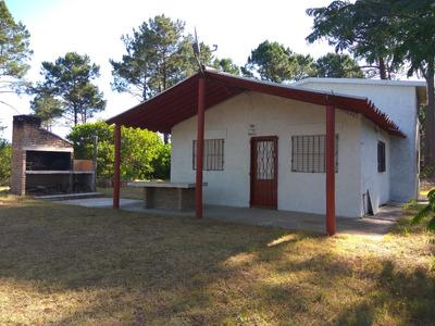Ubicada En Lugar De Ensueño, Rodeada De Naturaleza En Balneario Argentino