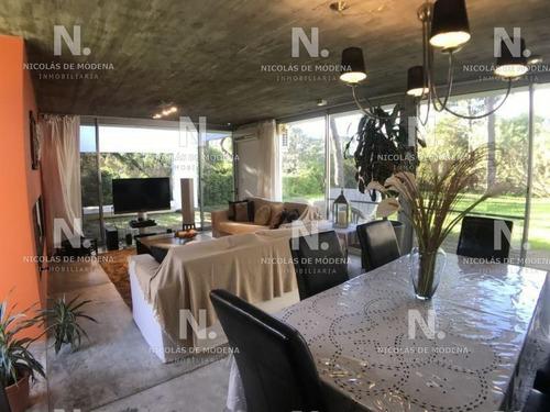 Casa En Venta Playa Brava 3 Dormitorios- Ref: 2568