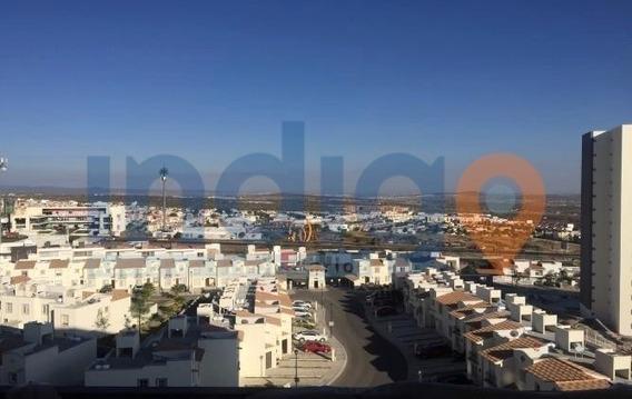 Departamento En Renta En El Refugio (torres Marbella)