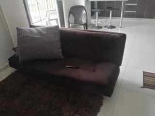 Sofa Cama Y Sillas De Barra