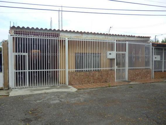 Casas En Venta En Los Crepusculos Barquisimeto, Lara Rahco