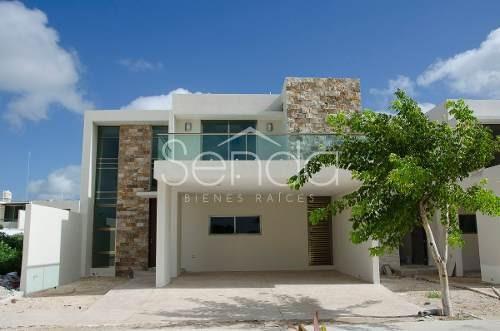 Hermosa Casa En Privada Temozón 39 Al Norte De Mérida