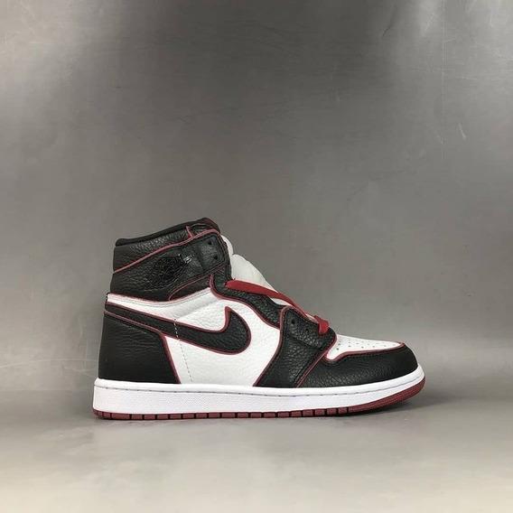 Tênis Air Jordan 1 Bloodline