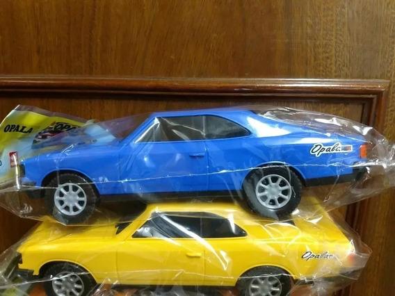 Duas Miniatura Opala Cherolet Coleção Carrinho Carro Automov