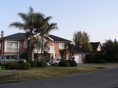 Casa Grande Y De Categoría - Muy Buena Ubicación -